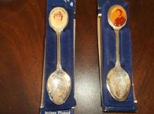 2 VINTAGE BNIB EXQUISITE SILVER PLATED SPOONS PRINCESS DIANA & PRINCE CHARLES